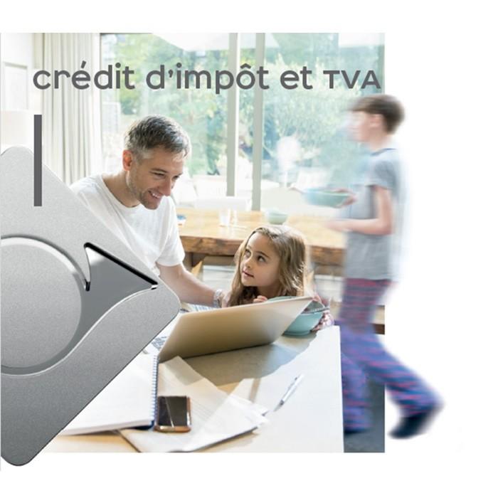 Image d'illustration d'une famille dans une cuisine pour le crédit d'impôt et la TVA
