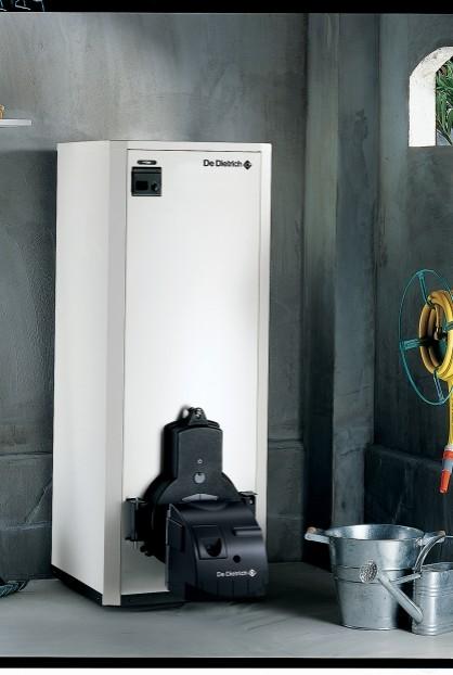 Chaudière fioul-gaz basse température Premys dans un garage